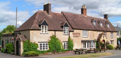 A3400 dog-friendly pub and dog walk near Stratford-upon-Avon, Warwickshire - Driving with Dogs