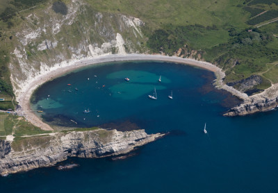 Lulworth Cove dog-friendly beach, Dorset - Driving with Dogs