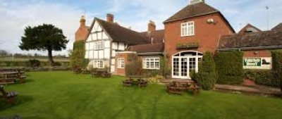 Kings Coughton dog-friendly pub, hotel and dog walk, Warwickshire - Driving with Dogs