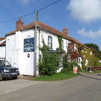 Tetford dog walk and dog-friendly pub, Lincolnshire