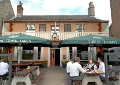 Norwich dog-friendly pub, Norfolk - Driving with Dogs