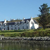 Dog-friendly pub and dog walk on the Isle of Skye, Scotland - Dog walks in Scotland