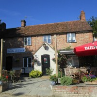 M40 Junction 5 or 6 dog walk and dog-friendly pub near Chinnor, Oxfordshire - Chilterns dog walk and dog-friendly pub