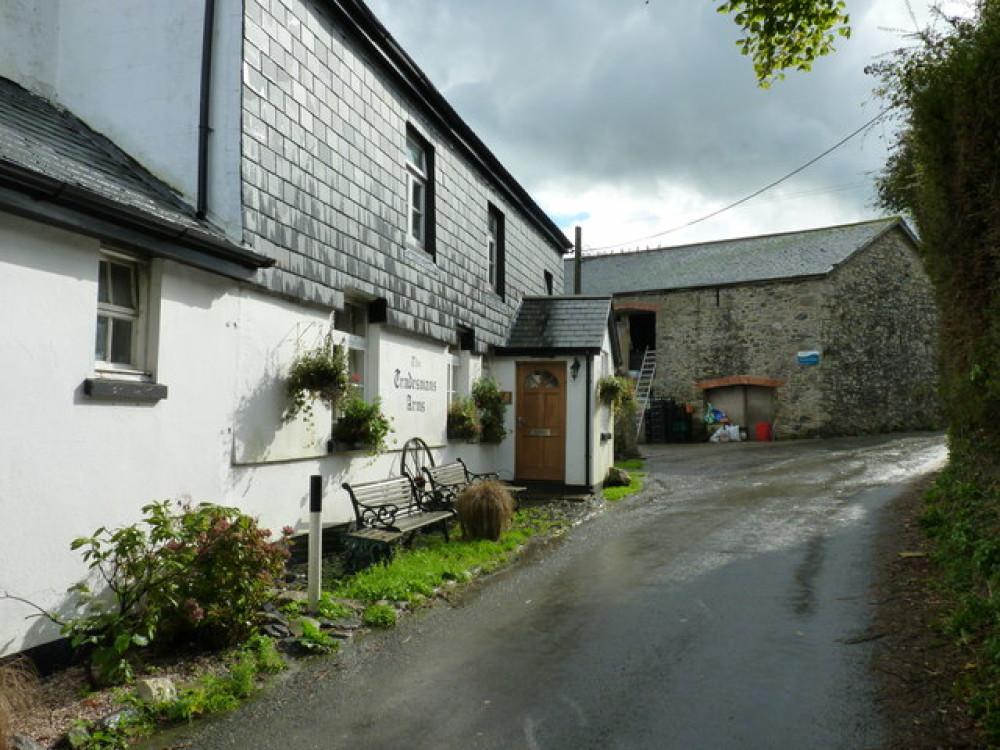 A38 dog-friendly pub and dog walk near Buckfastleigh, Devon - Dog walks in Devon