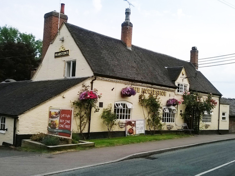 Tatenhill dog-friendly pub and walk, Staffordshire - Dog walks in Staffordshire