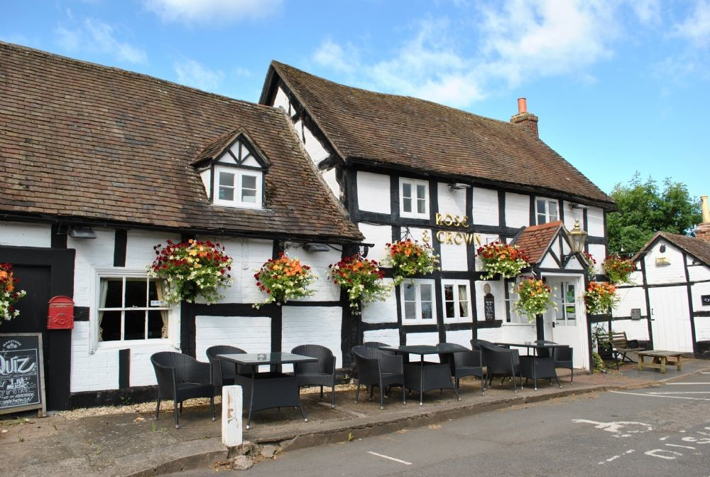 A38 dog-friendly pub and walk, Worcestershire - Dog walks in Worcestershire