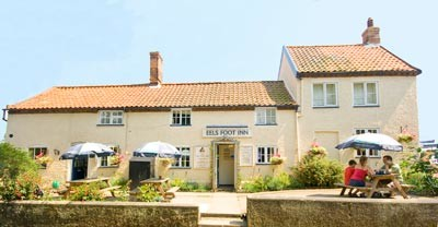 A12 dog walk and dog-friendly pub near Yoxford, Suffolk - Driving with Dogs