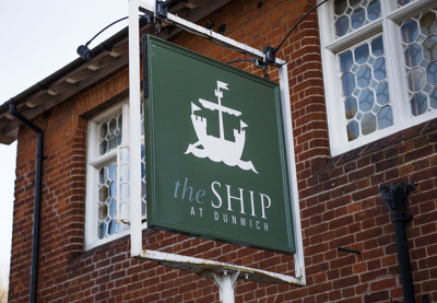 A12 dog-friendly pub and beach walks, Suffolk - Driving with Dogs