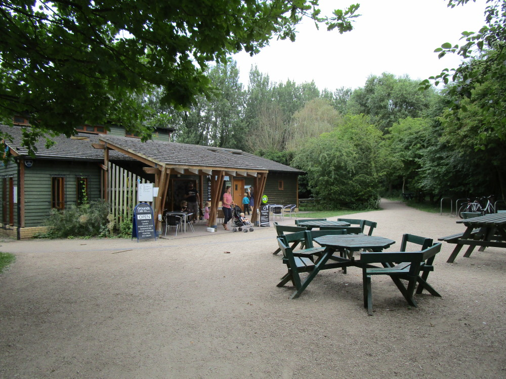 A14 Junction 33 dog walk with cafe, near Cambridge, Cambridgeshire - Dog walks in Cambridgeshire