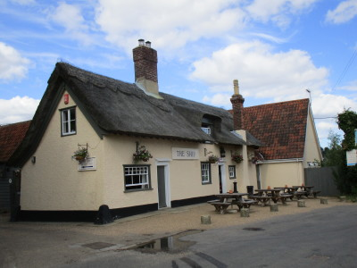 Levington dog-friendly pub and dog walk, Suffolk - Driving with Dogs