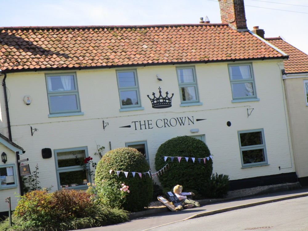 Great Ellingham dog-friendly pub and dog walk, Norfolk - Dog walks in Norfolk