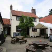 Geldeston dog-friendly pub and dog walk, Norfolk - Dog walks in Norfolk