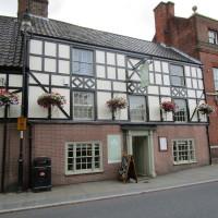 Bungay dog-friendly pub, Suffolk - Dog walks in Suffolk
