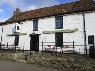 Middlezoy dog-friendly pub and dog walk, Somerset - Driving with Dogs