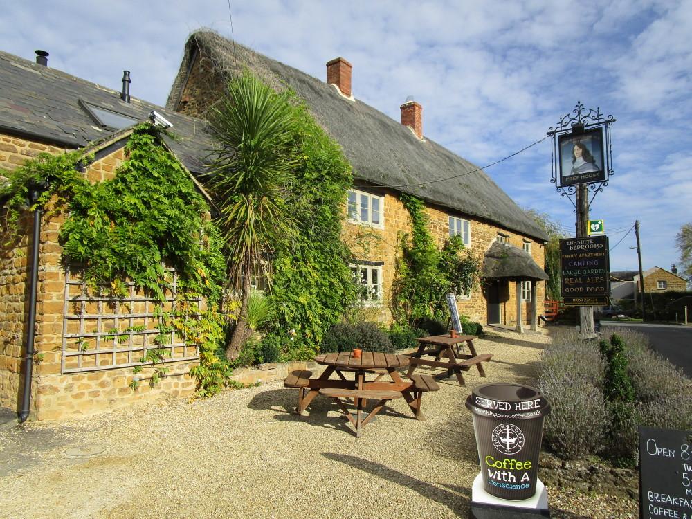 A361 dog-friendly pub with dog walk, Oxfordshire - Dog walks in Oxfordshire