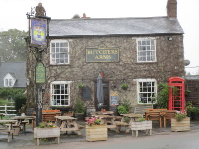 M40 Junction 10 dog-friendly pub and dog walk, Northamptonshire - Driving with Dogs
