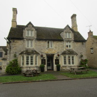 A43 dog-friendly pub and dog walk near Brackley, Northamptonshire - Dog walks in Northamptonshire