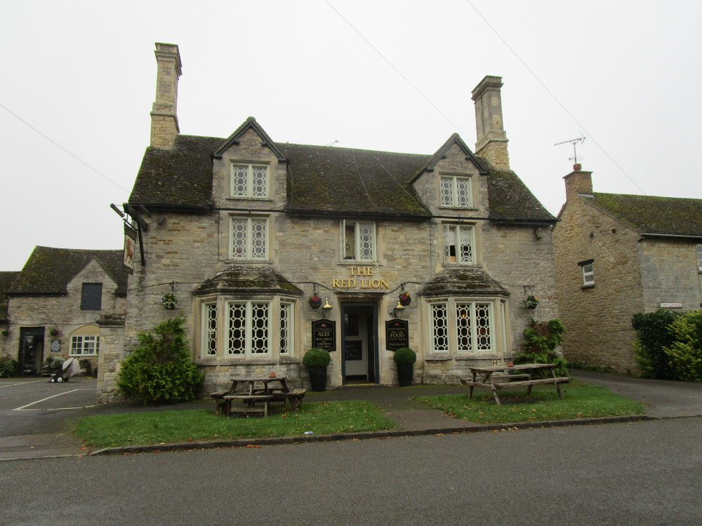 Evenley dog-friendly pub and dog walk, Northamptonshire - Dog walks in Northamptonshire