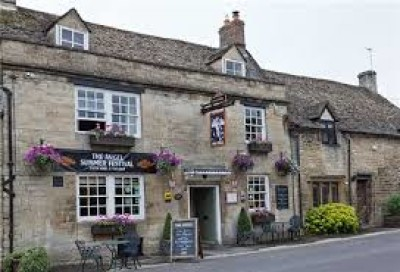 A40 Burford dog-friendly inn, Oxfordshire - Driving with Dogs