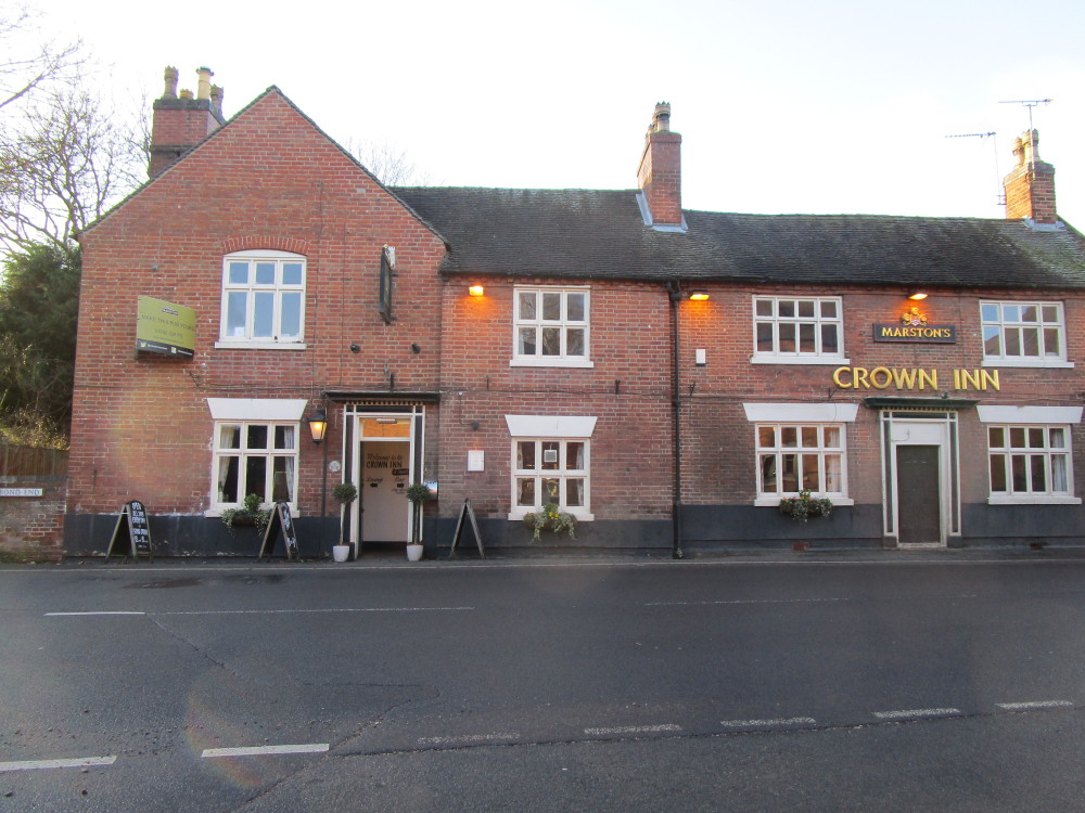 Yoxall dog-friendly pub and dog walk, Derbyshire - Dog walks in Derbyshire
