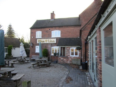 Witherley dog-friendly pub and dog walk, Leicestershire - Driving with Dogs