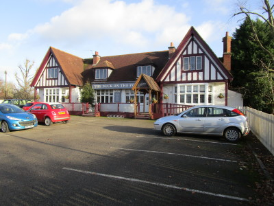 Long Itchington 2 dog-friendly pub and dog walk, Warwickshire - Driving with Dogs