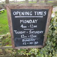 A46 dog-friendly pub and dog walk, Warwickshire - Dog walks in Warwickshire