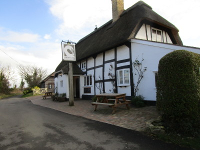 A44 dog-friendly pub and short dog walk near Pershore, Worcestershire - Driving with Dogs