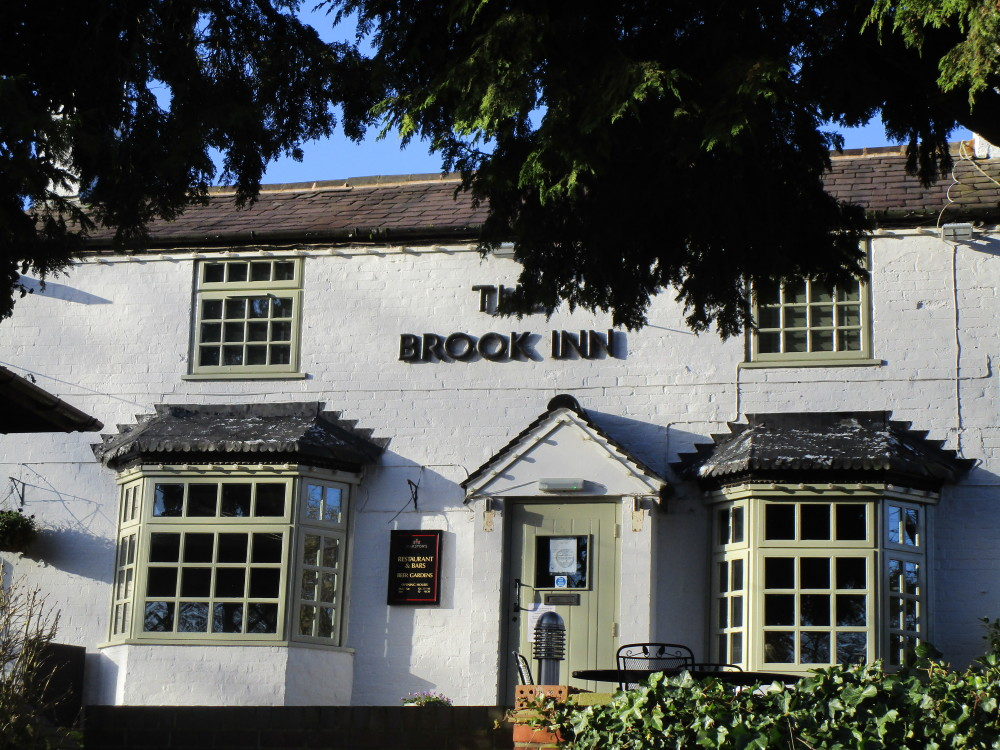 Redditch A448 area dog-friendly pub and dog walk, Worcestershire - Dog walks in Worcestershire