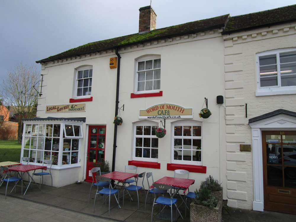 Evesham Dog Friendly Cafe and dog walk, Worcestershire - Dog walks in Worcestershire