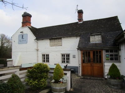 A435 near Studley dog-friendly pub and walk, Warwickshire - Driving with Dogs