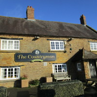 Staverton dog-friendly pub and dog walk, Northamptonshire - Dog walks in Northamptonshire