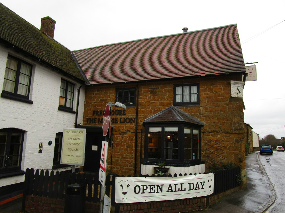A423 dog-friendly pub, Warwickshire - Dog walks in Warwickshire