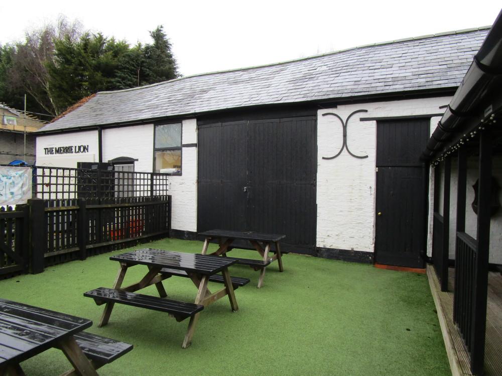 A423 dog-friendly pub, Warwickshire - Dog walks in Warwickshire