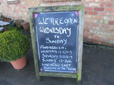 Canalside dog-friendly pub and dog walk near the A45, Northamptonshire - Driving with Dogs