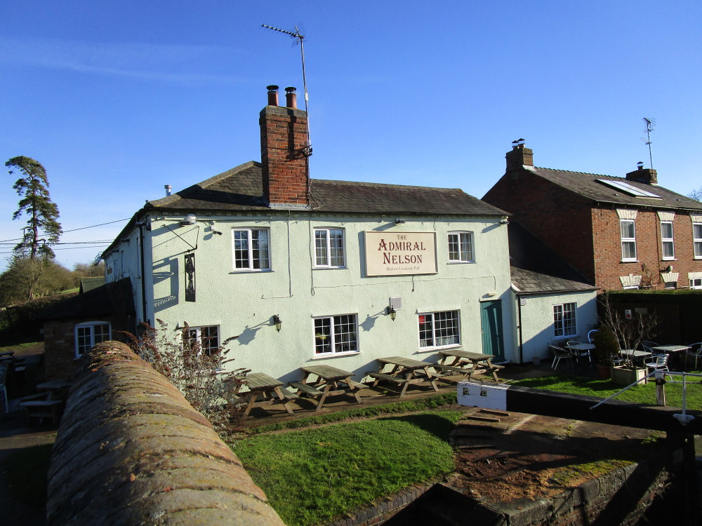 Braunston dog-friendly pub and dog walk, Northamptonshire - Dog walks in Northamptonshire