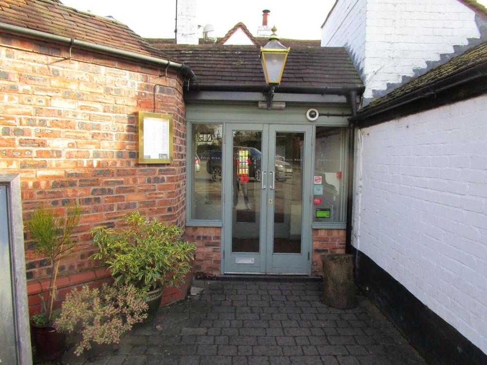 Historic dog-friendly pub and dog walk near Stratford-on-Avon, Warwickshire - Dog walks in Warwickshire
