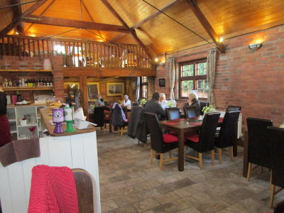 A3400 dog-friendly cafe and dog walk, Warwickshire - Driving with Dogs