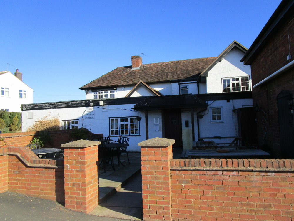 A442 dog-friendly pub and dog walk, Worcestershire - Dog walks in Worcestershire