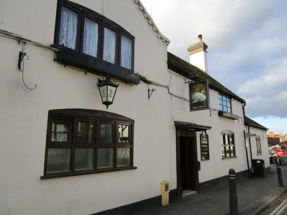 A448 dog-friendly pub and dog walk, Worcestershire - Dog walks in Worcestershire