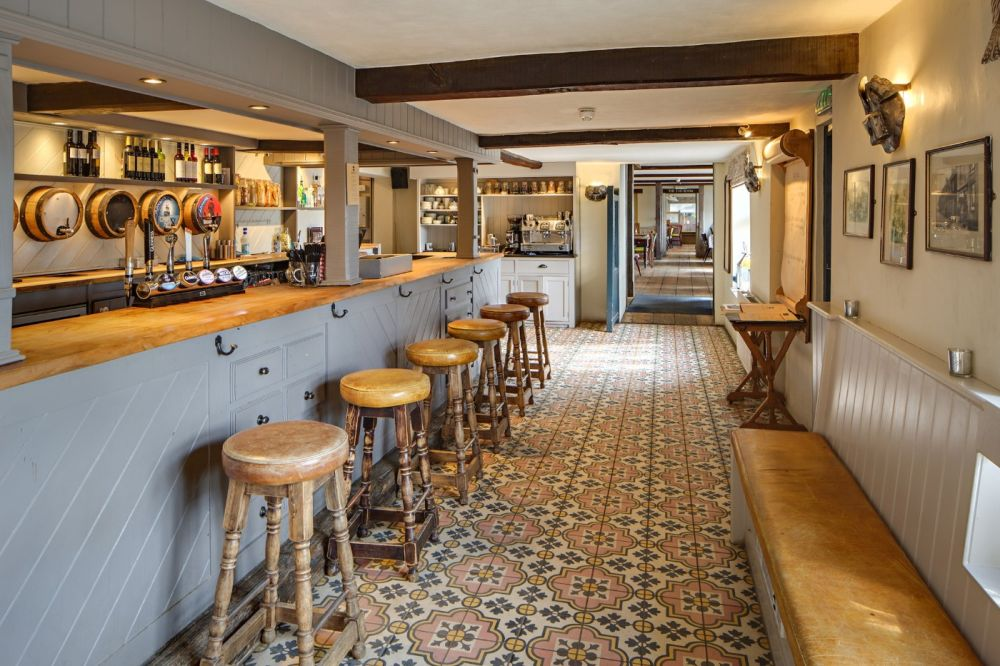 A148 Ranch-style dining, great for kids and dogs, Norfolk - Dog-friendly pub and dog walk near Holt
