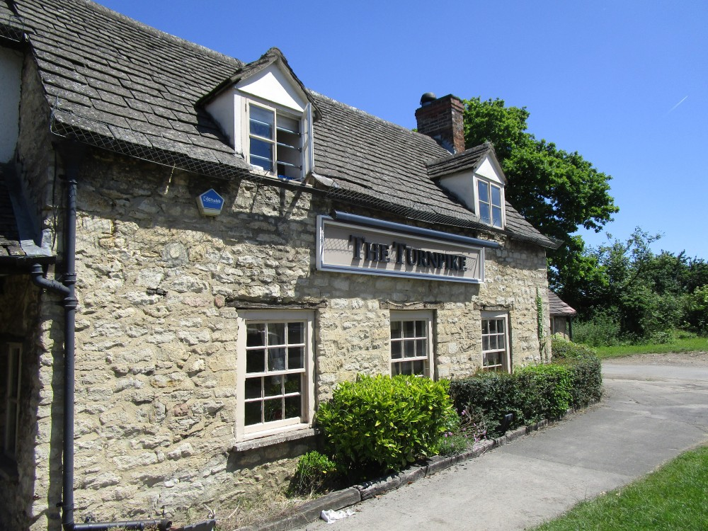 A44 dog-friendly pub near Woodstock, Oxfordshire - Oxfordshire dog-friendly pub