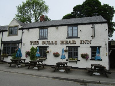 Foolow dog-friendly pub, Derbyshire - Driving with Dogs