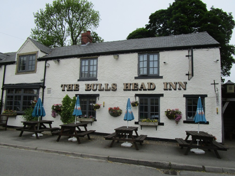 Traditional dog-friendly pub and B&B, Derbyshire - Peak District dog-friendly pub