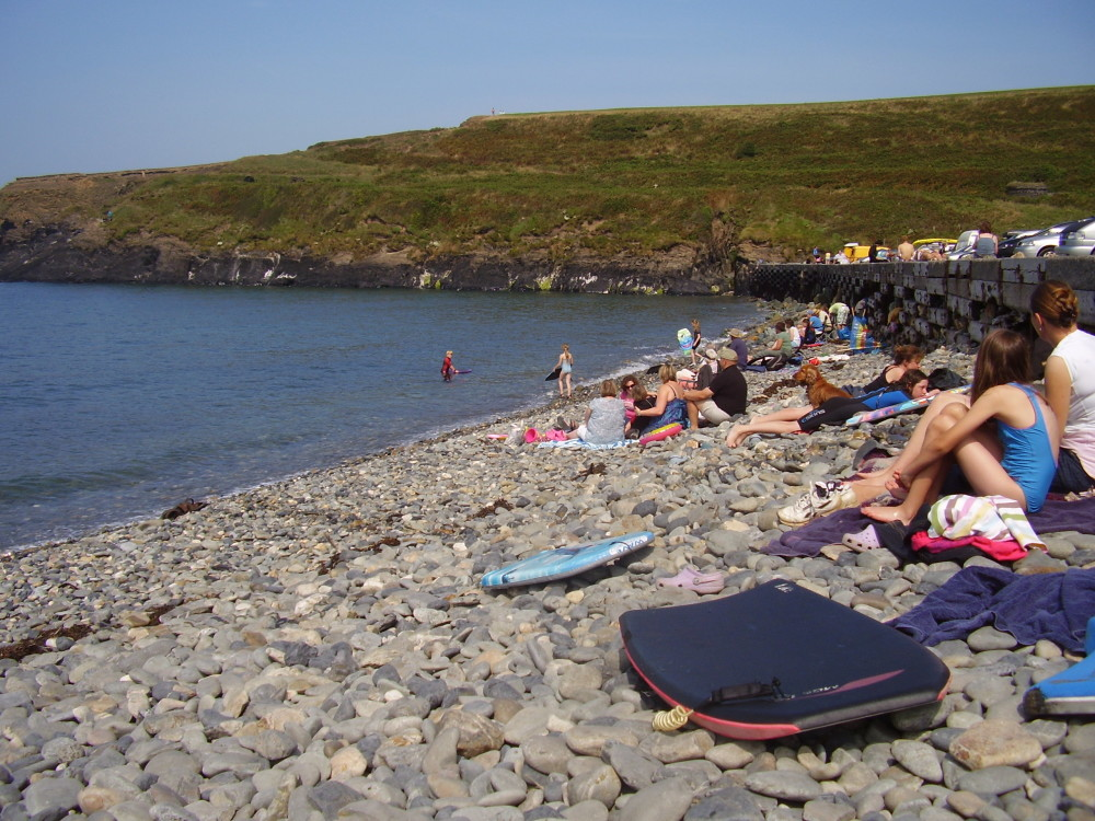 Abereiddy dog friendly beach, Pembrokeshire, Wales - Dog walks in Wales