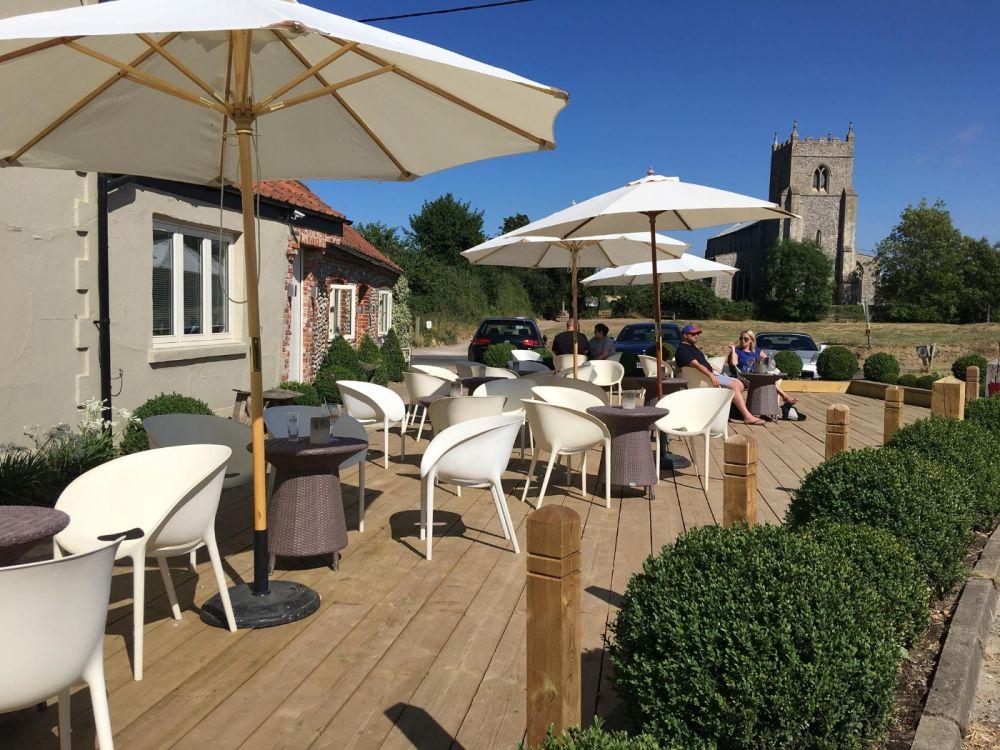 A149 Dog-friendly dining pub with garden, Norfolk - Dog-friendly pub and dog walk near Holt