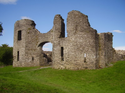 Castle ruins and dog walk, Wales - Driving with Dogs