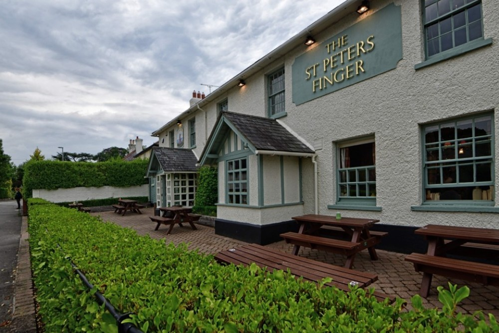 A35 dog-friendly pub near Poole, Dorset - Dorset dog-friendly pub and dog walk