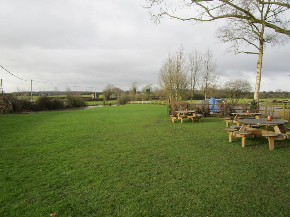 A423 near Leamington dog-friendly pub and dog walk, Warwickshire - Warwickshire dog-friendly pub and dog walk