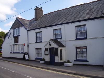 Dog-friendly pub on the A30, Cornwall - Driving with Dogs